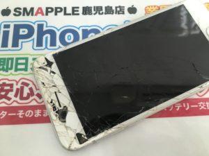 カメラが剥き出しのiPhone6S