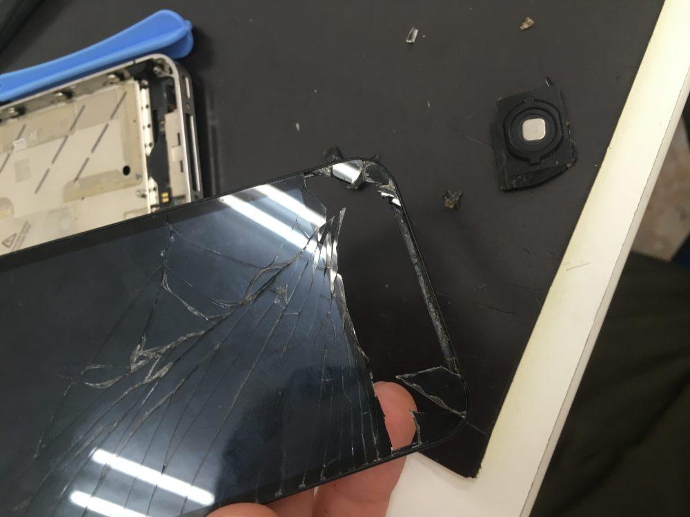 iPhone4S液晶修理前
