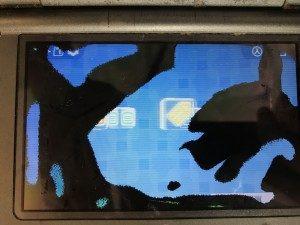 3DS画面液漏れの修理前