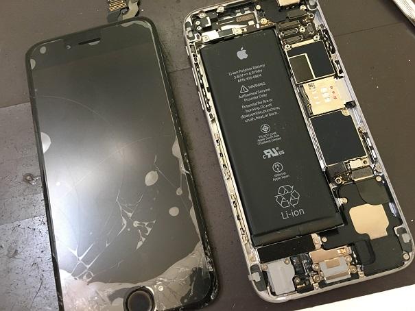 本体から画面を分解したiPhone6