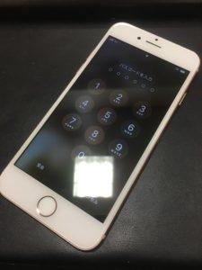 液晶修理後のiPhone8