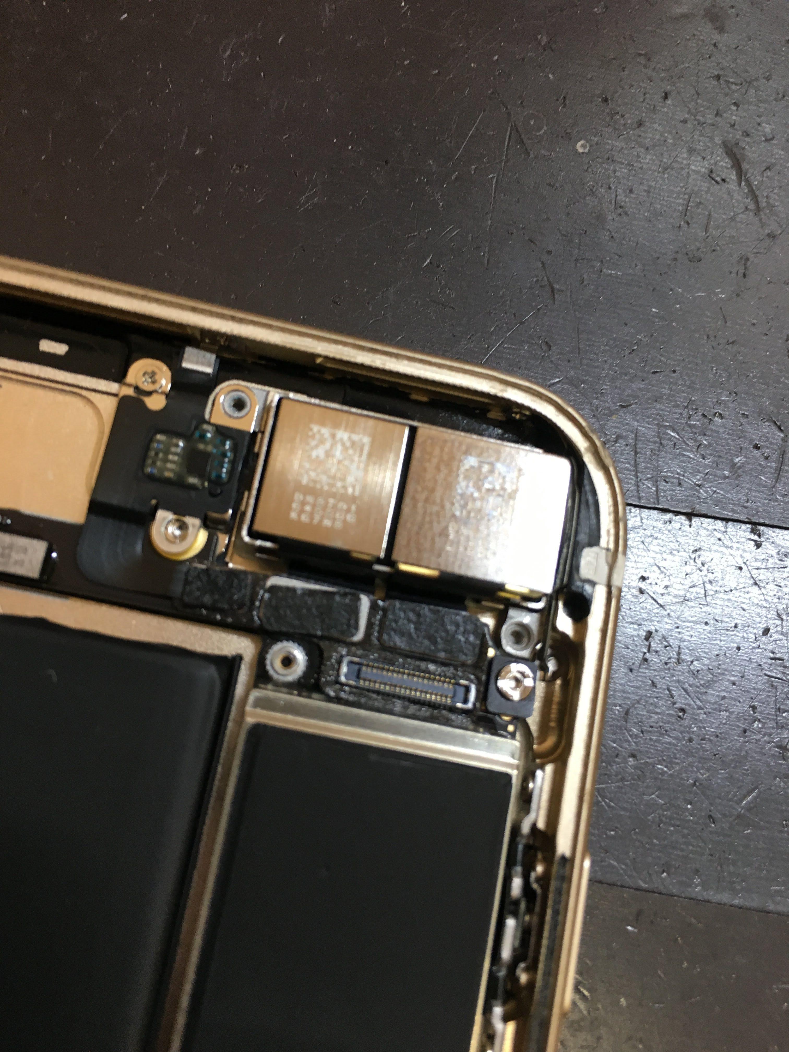 iPhone7Plusのデュアルカメラ 裏