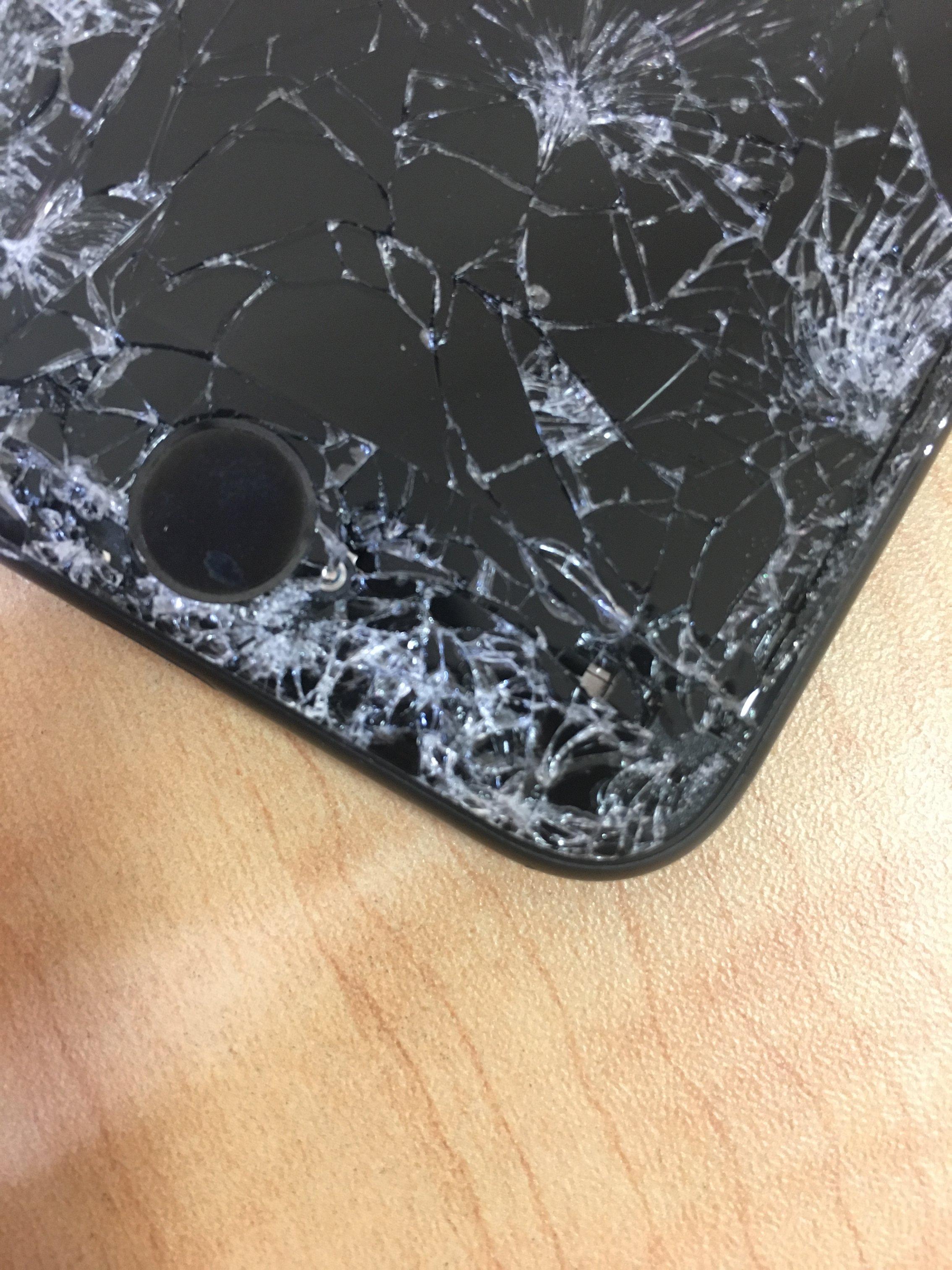 iPhone7のホームボタン周り