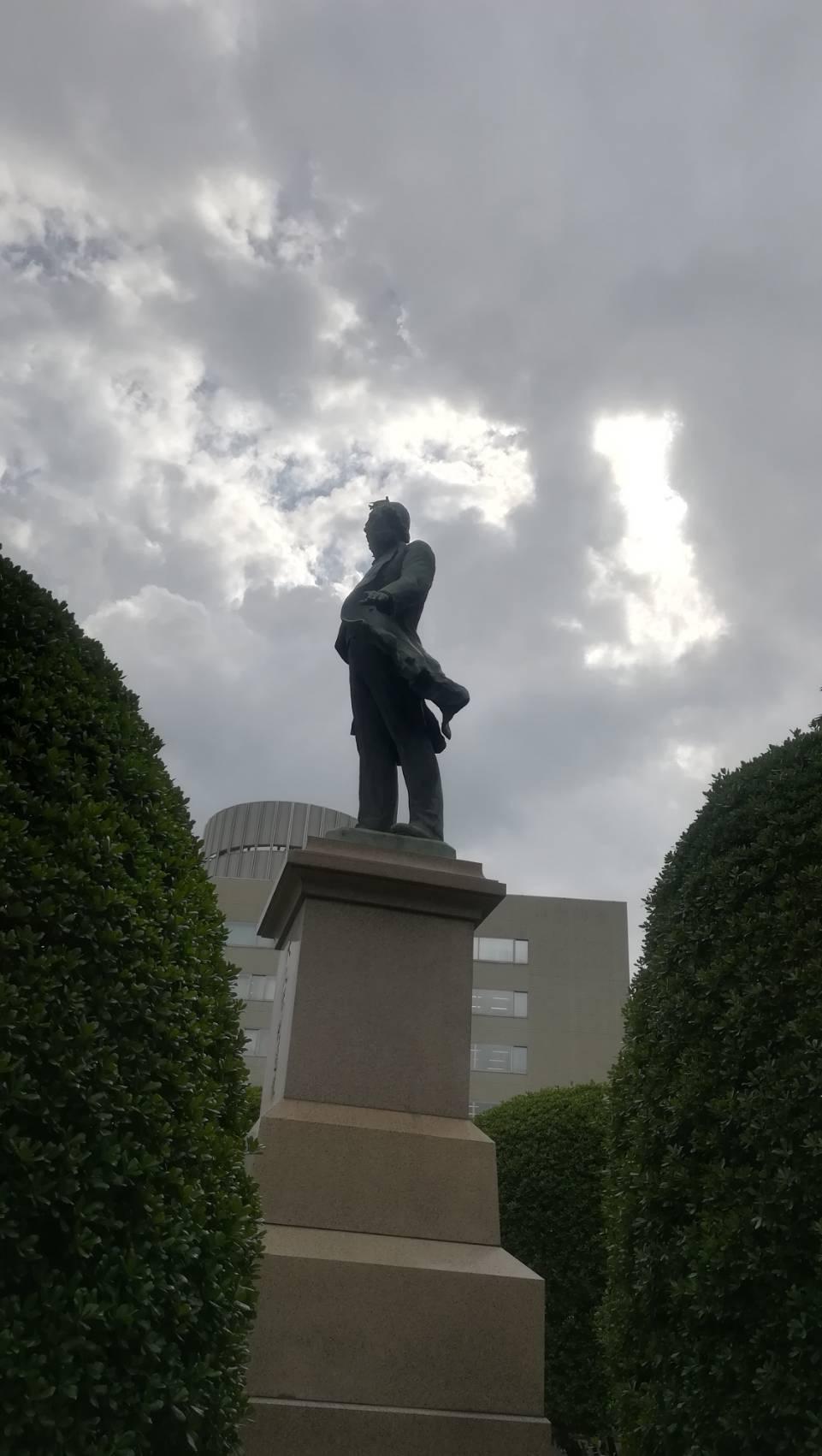 大久保銅像画像