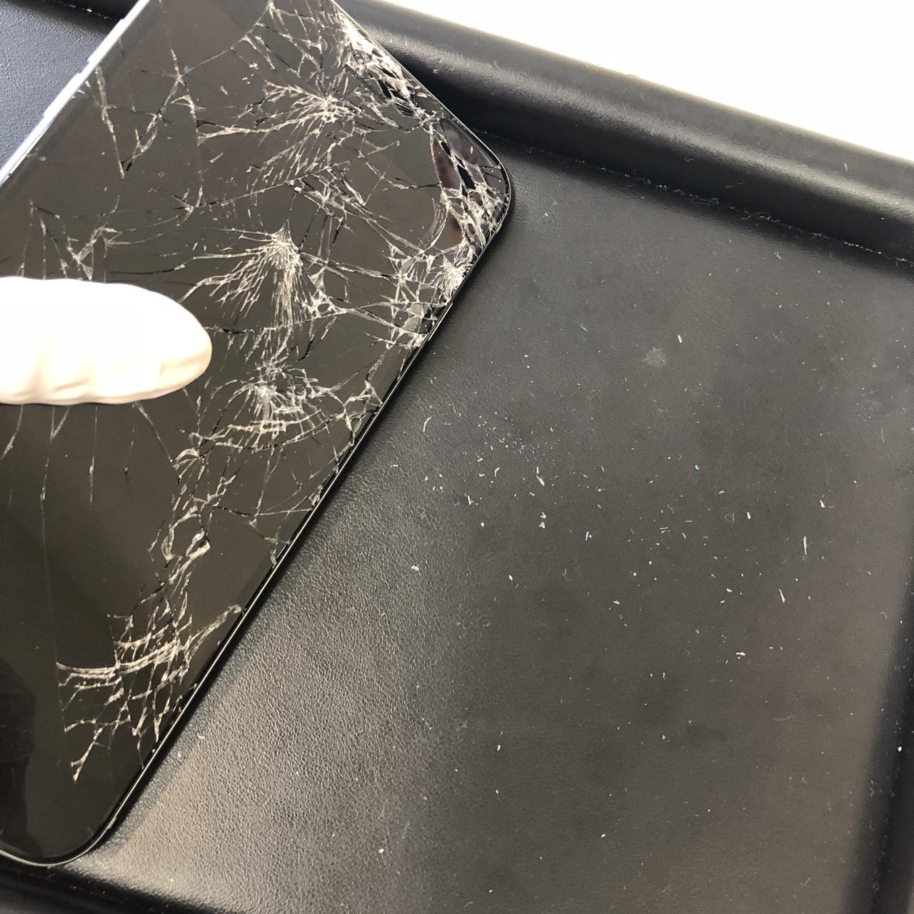 (iPhone)ガラスの破片