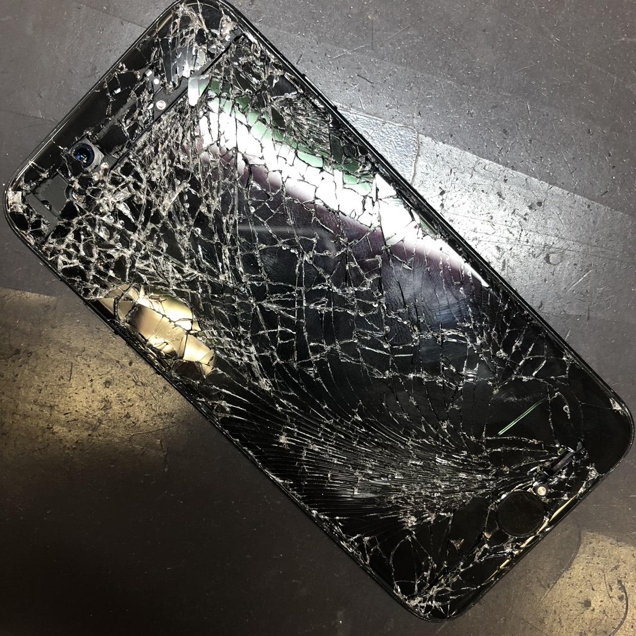 iPhone7の液晶破損