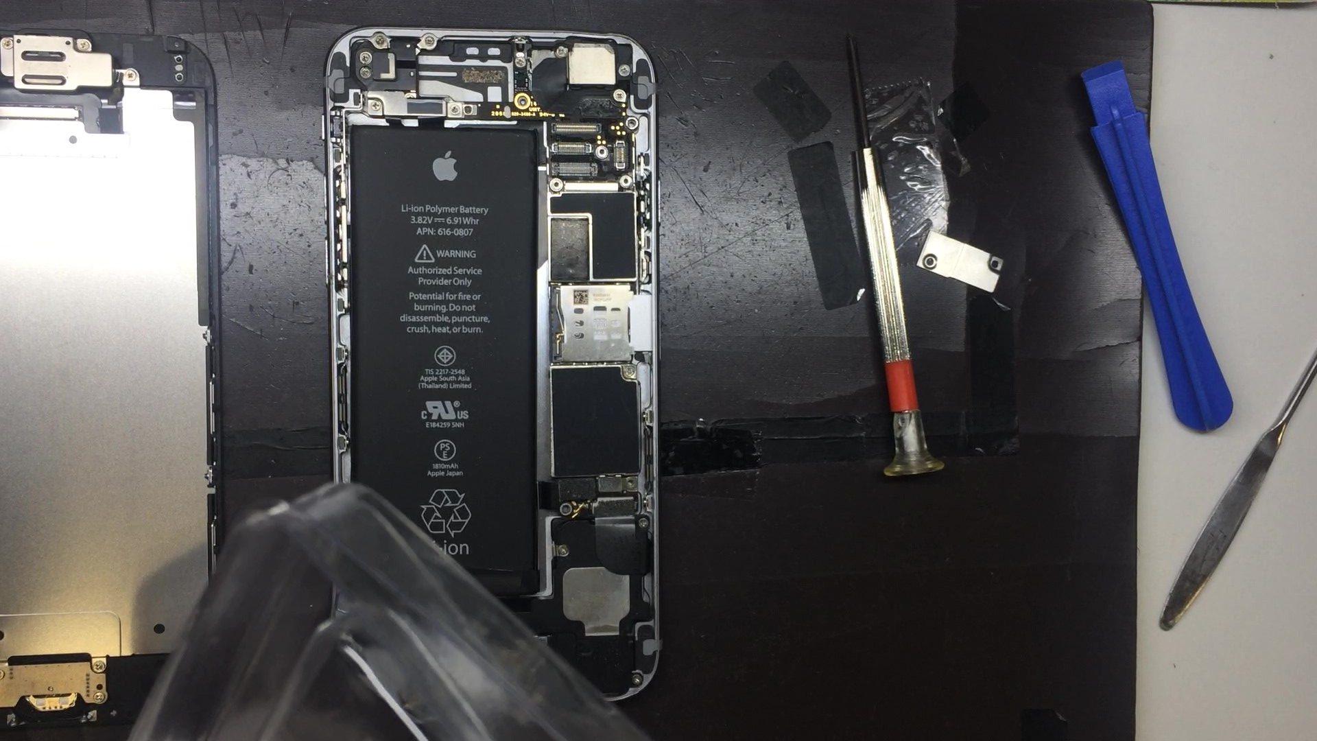 iPhone修理中画像
