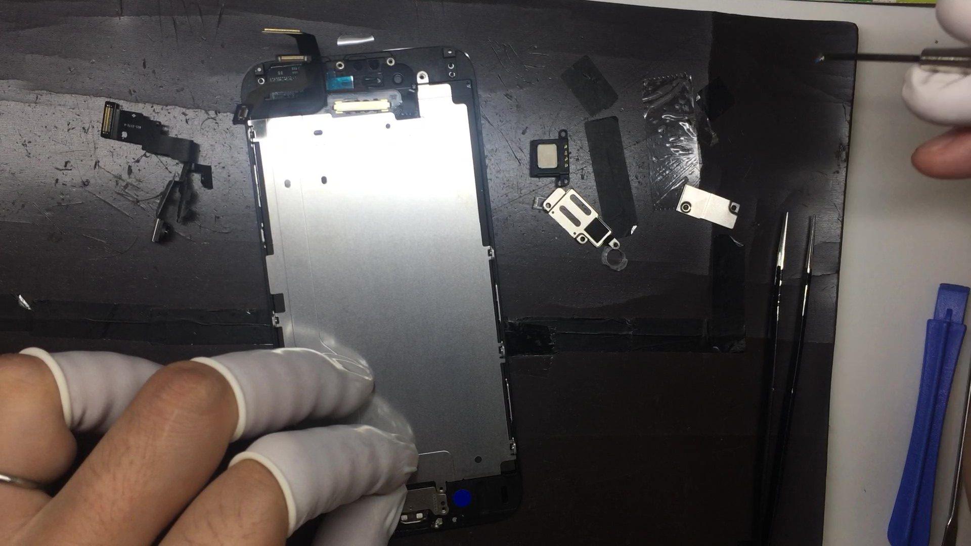 iPhone修理中画像5