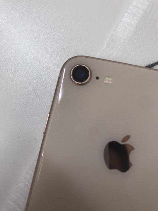 修理後のiPhone画像