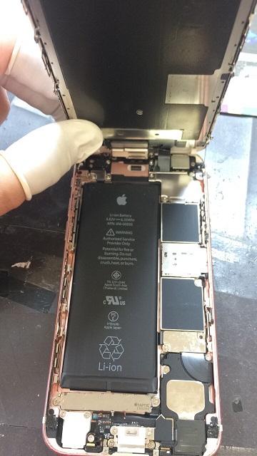 iPhone6s修理途中