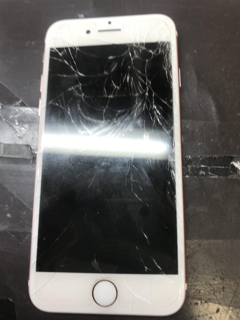 粉々iPhone7
