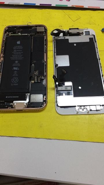 iPhone8修理途中