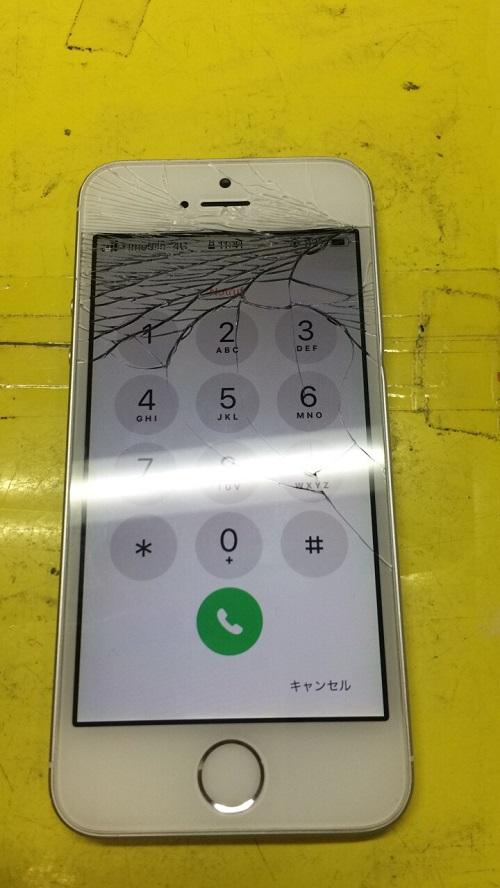 割れたiPhoneSE