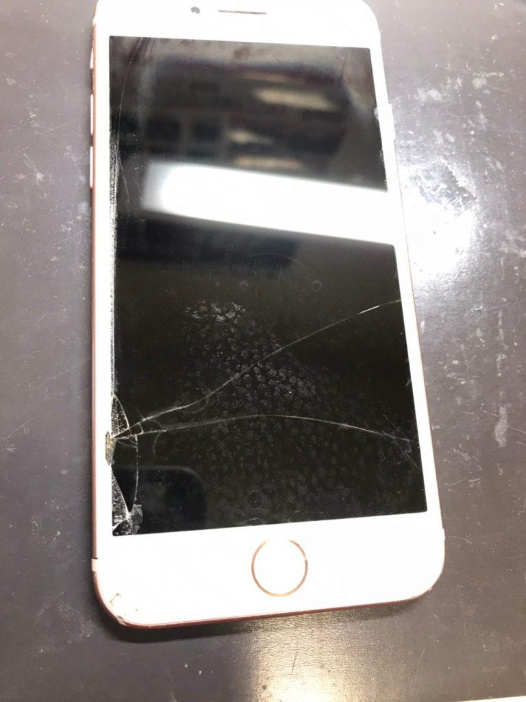 修理前iPhone8