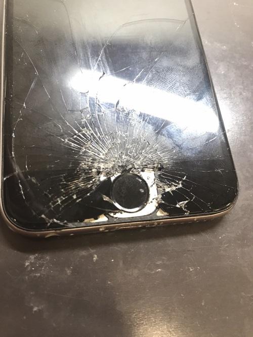 iPhone6修理最中画像