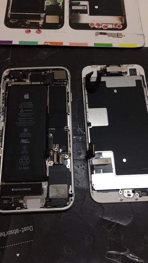 iPhone8中身