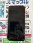 画面が全体的に割れてしまった【iPhone8】徐々にタッチが出来なくなりブラックアウト状態に…。慎重に修理します(-д☆)キラッ